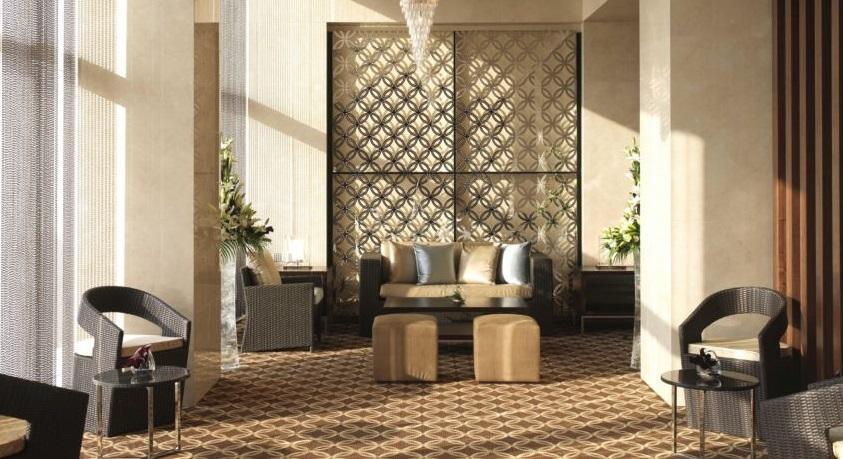 Golf-Holiday-Dubai-Crowne-Plaza-Lobby1