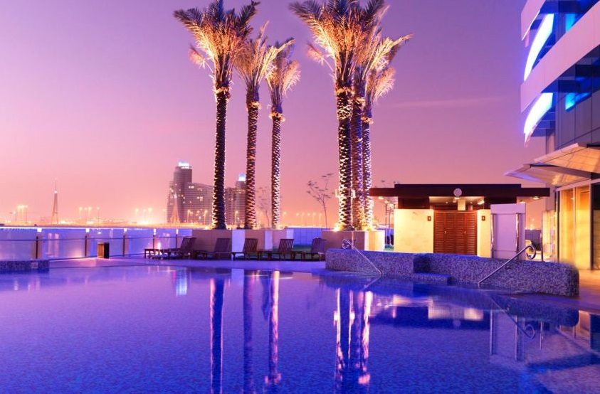 Golf-Holiday-Dubai-Crowne-Plaza-Pool1