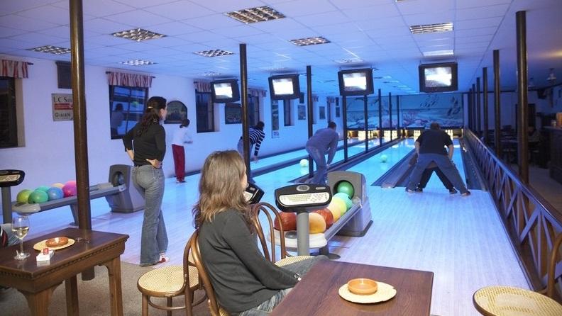 Golfurlaub-Malevil-Bowling